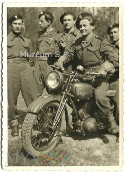 Żołnierze 1 DPanc. gen. Maczka 1 Szwadron
