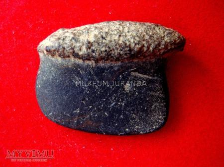 Kamienny przedmiot I