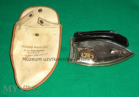 Żelazko podróżne Typ. P-7 z okresu PRL-u