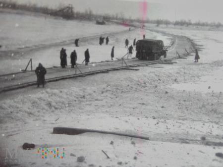 Droga przez śnieg
