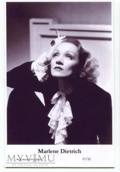 Marlene Dietrich Swiftsure Postcards 17/32