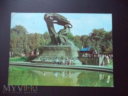 WARSZAWA Pomnik Fryderyka Chopina w Łazienkach