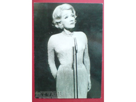 Marlene Dietrich c. 1970 w trakcie występu