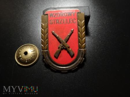 Odznaka Wzorowy Strzelec- wzór z 1951r