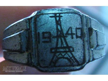 Samorobny pamiątkowy sygnet - Paryż 1940r