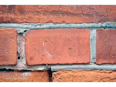"""Duże zdjęcie """"Stara Prochownia"""" - budynek A - inskrypcja #022"""