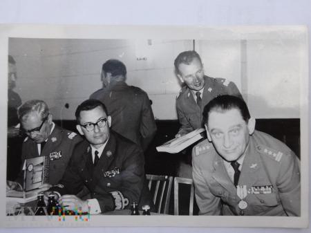 Zdjęcie żołnierzy - Panowie Generalicja