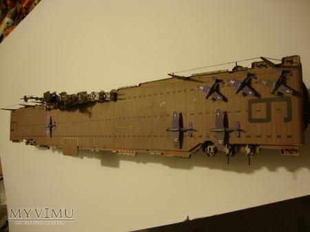 Lotniskowiec model kartonowy