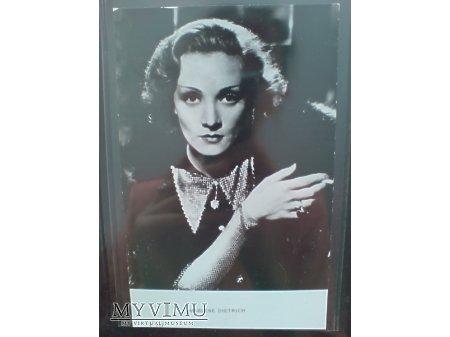 Marlene Dietrich lata 30-te + papieros F 242