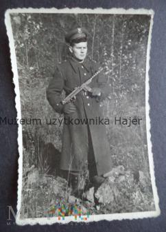 Zdjęcie żołnierza LWP z PPS wz. 1943