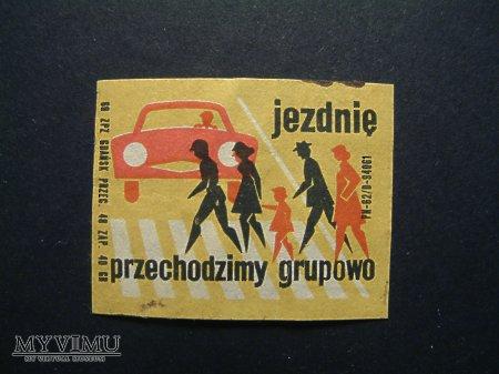Etykieta - Jezdnię przechodzimy grupowo