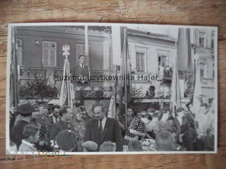 Zdjęcie żołnierzy LWP na uroczystości