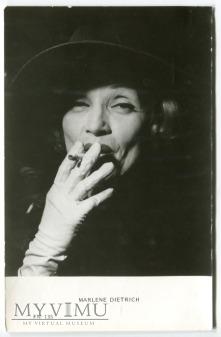 Marlene Dietrich oraz jej papieros FN 135