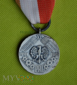 Medal XL-lecia PRL