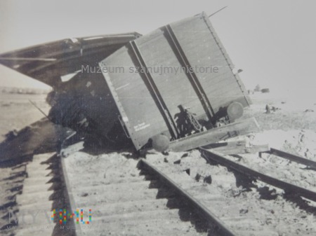 rozbite wagony kolejowe 1939