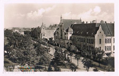 Friedrichstrasse / Herzog-Friedrich-Wilhelm Schule