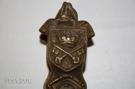 Dziadek do orzechów - papieskie insygnia