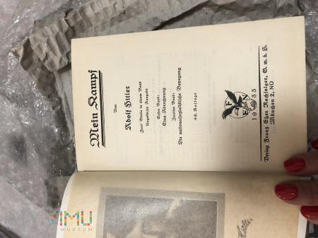 Książki niemieckie pisane gotykiem