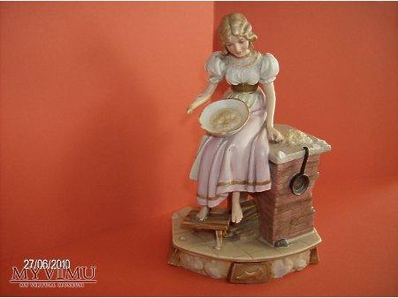 Duże zdjęcie figurka Kopciuszka