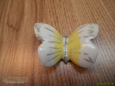 porcelanowy motyl sygn.- 4 W