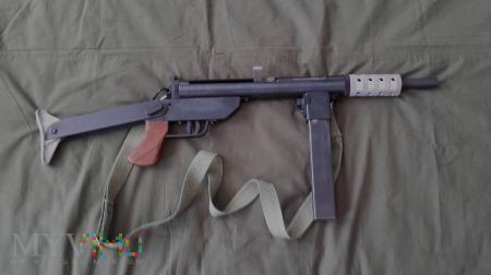 Pistolet maszynowy Błyskawica.