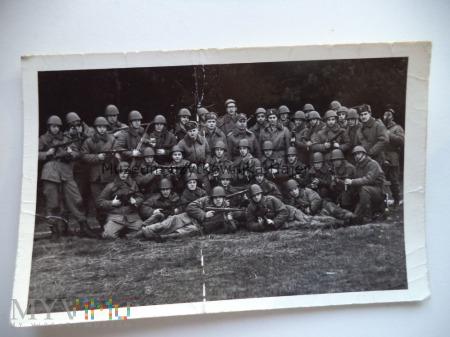 Zdjęcie żołnierzy LWP z Pistolet PPS Krotoszyn 71