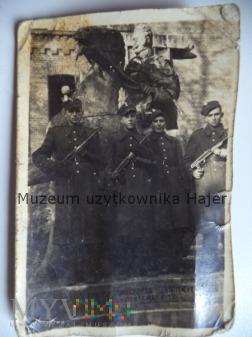 Zdjęcie żołnierzy LWP z Pistoletem PPS wz. 1943