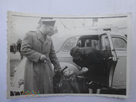 Zdjęcia żołnierza z rodziną