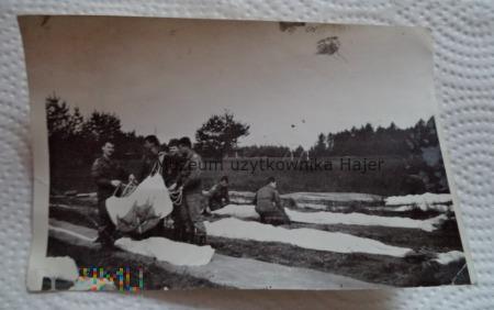 Spadochroniarze Składanie spadochronu