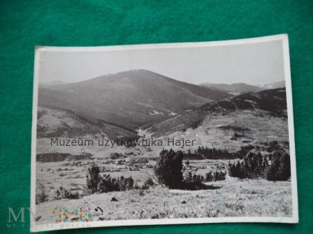 BESKID ŻYWIECKI Widok na Muńcuł (1165 m ) , Ujsoły