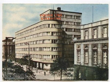 Gdynia - ulica 10 lutego i budynek PLO - 1962