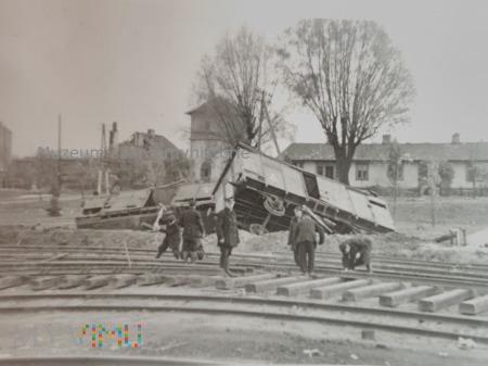 przewrócone wagony kolejowe 1939