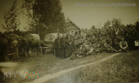 Duże zdjęcie tabory wojskowe
