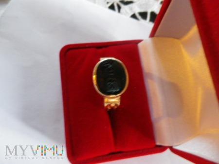 Herb Ślepowron- sygnet złoty z krzyżem