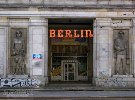 BERLIN ( sklep z pamiątkami )