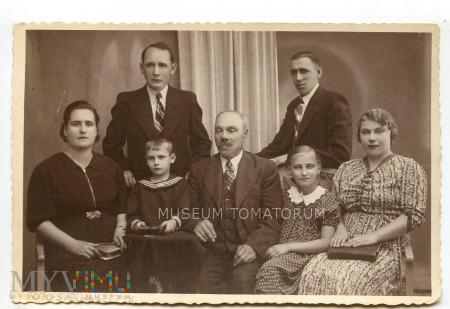 Grupowe zdjęcie rodzinne z atelier 1938