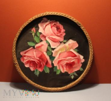 Róże malowane na jedwabiu