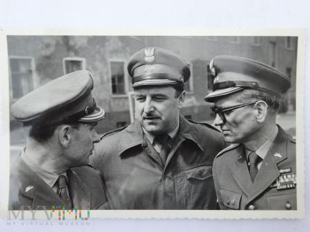 Zdjęcie żołnierzy - no i po wizytacji