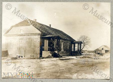 Horodyszcze - plebania przy kościele