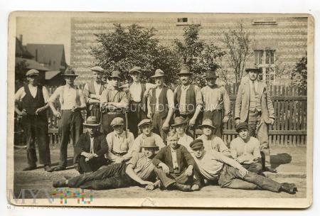 Grupowe zdjęcie pracownicze