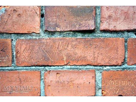 """Duże zdjęcie """"Stara Prochownia"""" - budynek A - inskrypcja #005"""