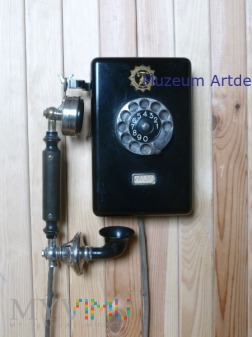 Telefon Ericsson wiszacy