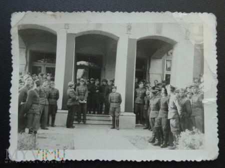 Zdjęcie żołnierzy - gdzieś w Polsce - spotkanie ?