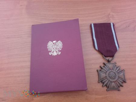 Medal PRL Brązowy Krzyż Zasługi