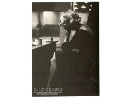 Marlene Dietrich RED 1952 i piękne nogi anioła