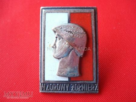"""Odznaka """"Wzorowy Żołnierz"""" - srebrna"""