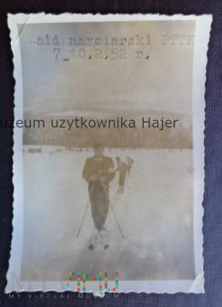 Narty , narciarze 1952 rok - stare zdjęcie