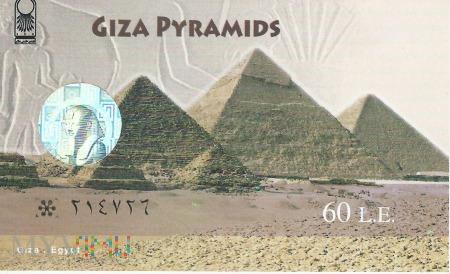 Giza - Piramidy