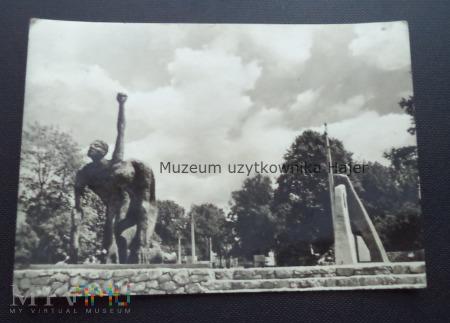 TARNÓW Pomnik Męczeństwa dłuta Bogdana i Anatola