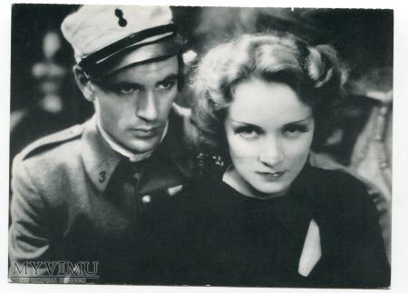 Marlene Dietrich w filmie Marocco